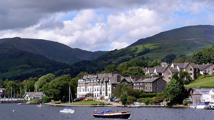 Enjoy a romantic hide-away break in Lake District