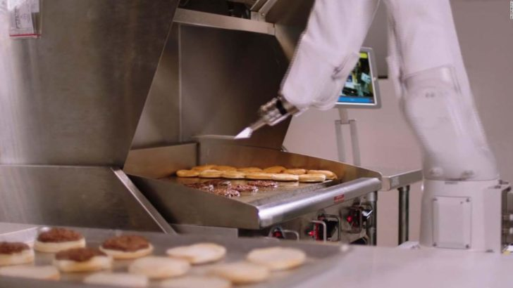 The world's first Burger-making Robot